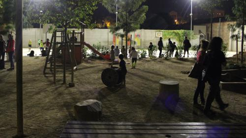 """""""On a apporté un matelas et un duvet"""" : à Barcelone, des parents d'élèves occupent un bureau de vote avant le référendum"""