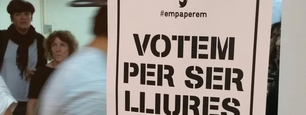 """Résultat de recherche d'images pour """"PHOTOS VOTES EN CATALOGNE"""""""