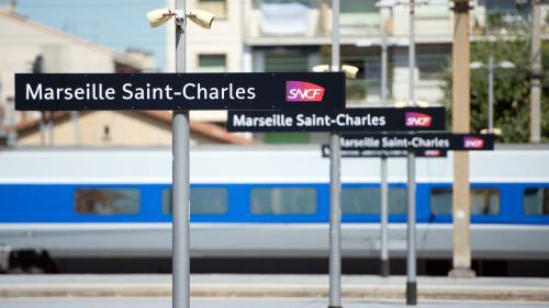 DIRECT. Marseille : un homme abattu à la gare Saint-Charles après avoir attaqué des passants avec un couteau, annonce le parquet