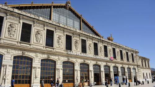 Deux passants tués à la gare Saint-Charles de Marseille après une attaque au couteau, l'agresseur abattu