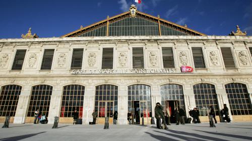 """Attaque au couteau à Marseille : """"A dix mètres près, ça aurait pu être moi"""", raconte un témoin"""
