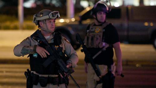 """Attaque à Las Vegas: """"Jusqu'ici, ce qui a été revendiqué a toujours eu un lien"""" avec le groupe État islamique"""