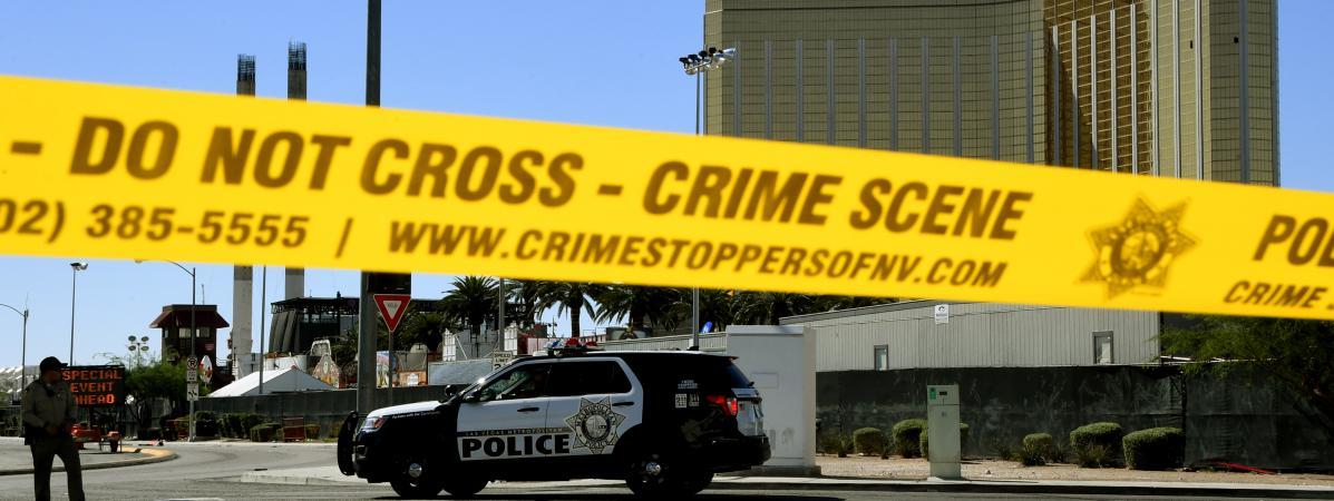 La scène de la fusillade devant l\'hôtel Mandalay Bay à Las Vegas (Etats-Unis), le 2 octobre 2017.