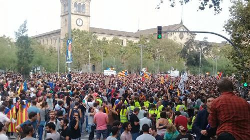 """""""Le salaire que je perds aujourd'hui, c'est anecdotique"""" : Barcelone au rythme de la grève générale"""