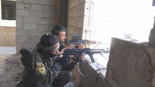 DOCUMENT FRANCEINFO. A Raqqa, en Syrie, avec les combattants qui tentent de faire tomber le fief de l'Etat islamique