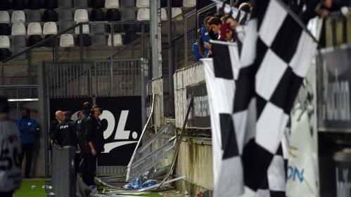 Barrière effondrée au stade de la Licorne : comment une enceinte a pu autant dérouiller en vingt ans ?