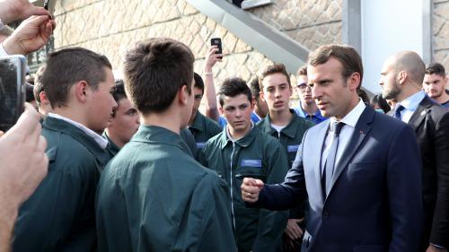 """""""Bordel"""" : Macron """"assume"""" le fond de ses propos, mais regrette la forme"""