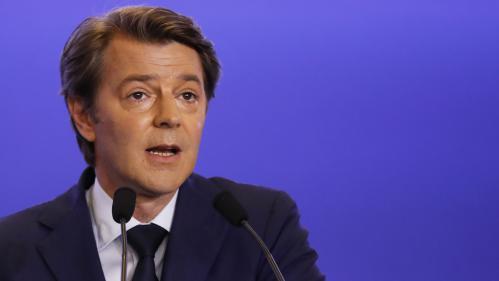 """Les collectivités locales ne peuvent """"pas tout porter"""", selon François Baroin, président de l'Association des maires de France"""