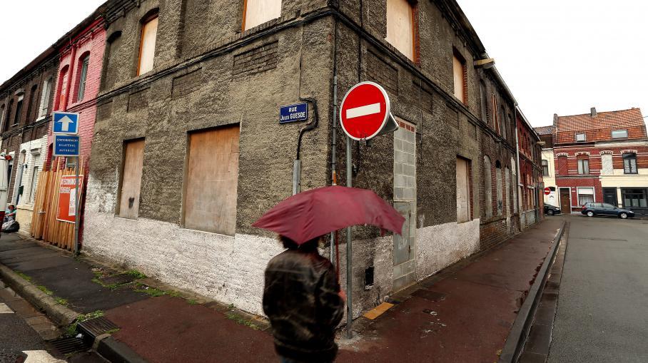 la mairie de roubaix met en vente des maisons 1 euro. Black Bedroom Furniture Sets. Home Design Ideas