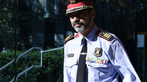 """""""Ils n'ont pas désobéi, ils ont respecté les gens"""": les Catalans défendent le chef de la police, poursuivi pour sédition"""