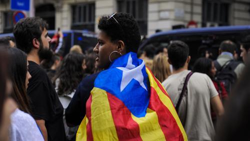 DIRECT. Le gouvernement espagnol appelle les indépendantistes à dissoudre le parlement catalan et à convoquer des élections