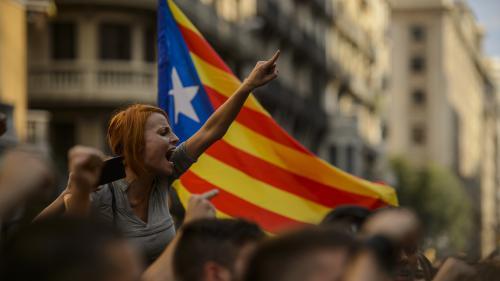 Crise politique en Espagne : à Barcelone, les banques abandonnent leurs sièges sociaux