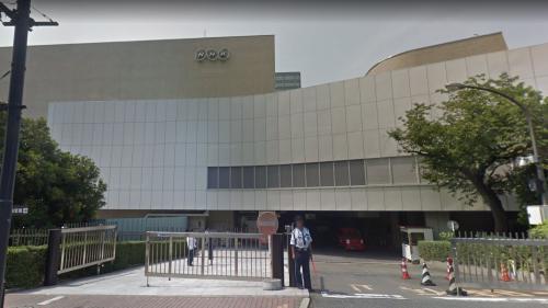 Japon : une chaîne de télé reconnaît sa responsabilité après la mort d'une de ses journalistes qui a effectué 159 heures sup en un mois