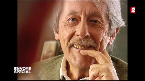 """VIDEO. """"Envoyé spécial"""" : dans les coulisses d'une tournée avec Jean Rochefort"""