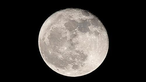 """La Lune a eu une atmosphère """"éphémère"""" (et cela pourrait servir à de prochaines expéditions dans l'espace)"""