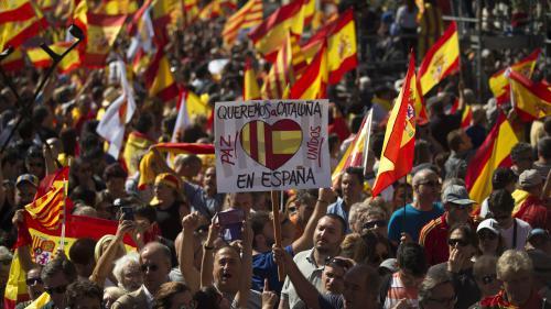 Suivez en direct l'allocution du dirigeant catalan, Carles Puigdemont, après le référendum d'indépendance