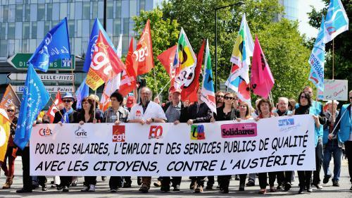 """""""On a le sentiment de s'appauvrir"""": la fonction publique descend dans la rue pour s'opposer au gouvernement"""