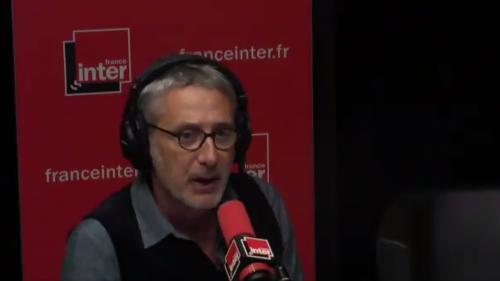 """VIDEO. Affaire Weinstein : Antoine de Caunes soutient sa fille Emma et dénonce les agissements de """"ce gros porc puant"""""""