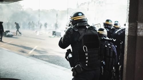 Manifestations plus fréquentes, blessés en hausse... Comment la police parisienne réfléchit au maintien de l'ordre du futur ?