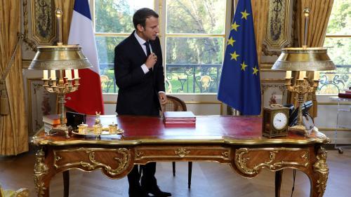 """Interview d'Emmanuel Macron sur TF1 : """"Ce sera compliqué de donner une image proche des gens"""""""