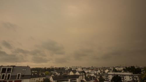 EN IMAGES. Pourquoi le ciel breton est-il devenu jaune ?