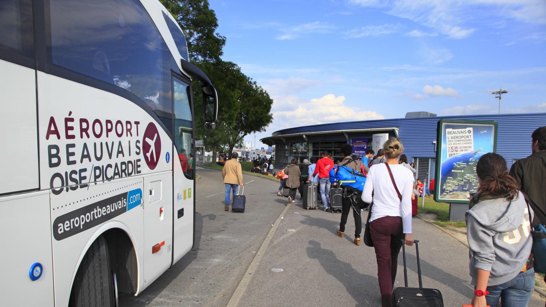 Beauvais cach dans la soute du bus il d valisait les - Navette paris porte maillot aeroport de beauvais ...
