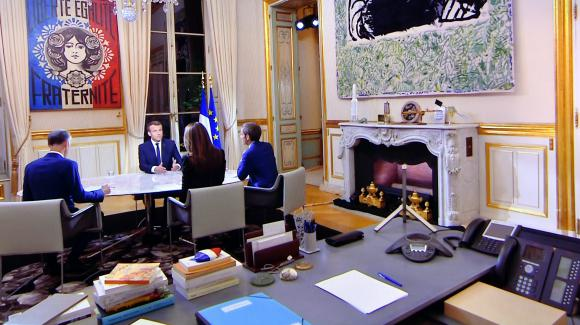 le brief politique un gri gri gaulliste dans le bureau du pr sident macron. Black Bedroom Furniture Sets. Home Design Ideas