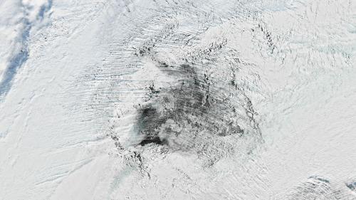 Un gigantesque trou dans la banquise de l'Antarctique intrigue les scientifiques