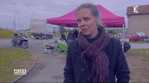 """VIDEO. """"On a 3 minutes 41 pour coucher un résident"""" : la détresse d'une salariée de maison de retraite"""