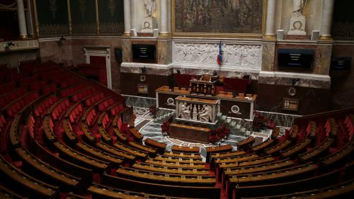 """Hommes politiques français accusés d'agression sexuelle : """"Cela ne me surprend pas"""" confie Hélène Bekmezian, journaliste politique"""