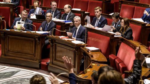 """Les députés votent la """"flat tax"""", après des débats tendus"""