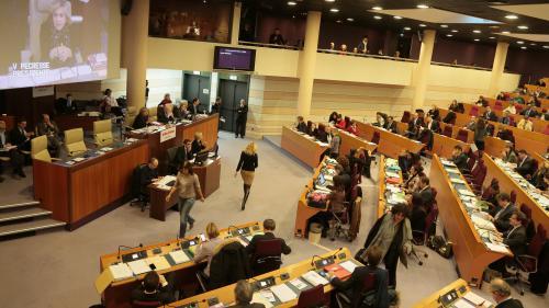 Un conseiller régional d'Ile-de-France visé par deux plaintes pour agressions et harcèlement sexuels