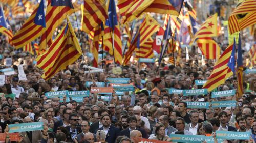 DIRECT. Catalogne : 450 000 manifestants indépendantistes défilent dans les rues de Barcelone