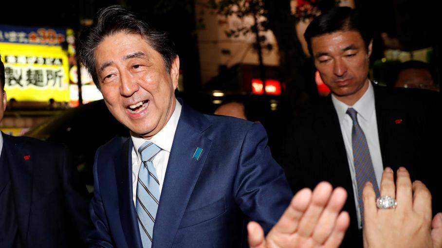 Japon : large victoire du Premier ministre, Shinzo Abe, aux législatives