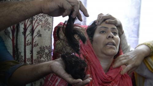 """De mystérieux """"coupeurs de tresses"""" sèment la panique au Cachemire indien"""