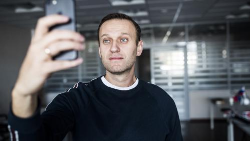 Russie : l'opposant Alexeï Navalny, tout juste sorti de prison, repart en campagne contre Vladimir Poutine