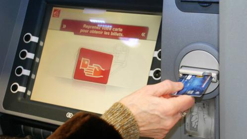 nouvel ordre mondial | Brest : un homme condamné à trois mois de prison pour avoir étalé ses excréments sur des distributeurs de billets