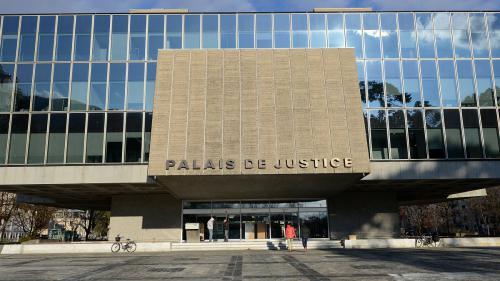 nouvel ordre mondial | Haute-Savoie : un homme s'immole par le feu en pleine audience au tribunal d'Annecy
