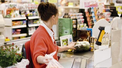 VIDEO. Lait Lactalis contaminé : comment bloquer les produits à la caisse des supermarchés ?