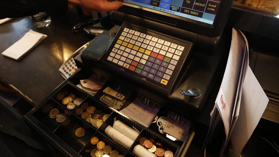 une nouvelle norme sur les caisses enregistreuses pour lutter contre les fraudes. Black Bedroom Furniture Sets. Home Design Ideas