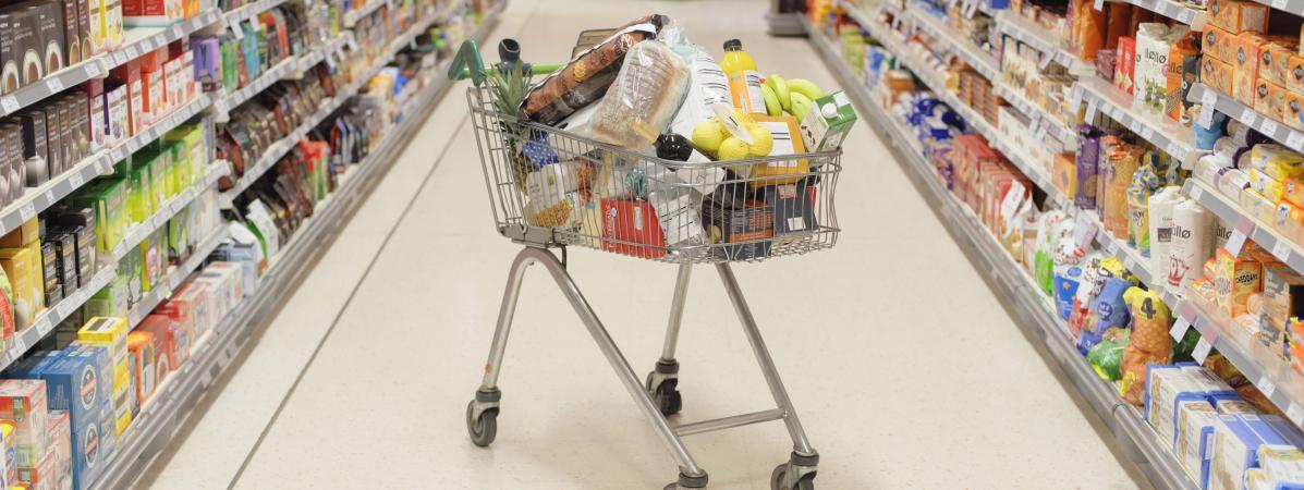 Pesticides, additifs, perturbateurs endocriniens... Comment bien choisir ses aliments pour ne pas s'empoisonner ?