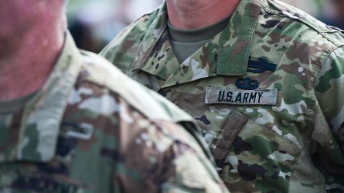 Etats-Unis : Trump renonce à exclure de l'armée les personnes transgenres