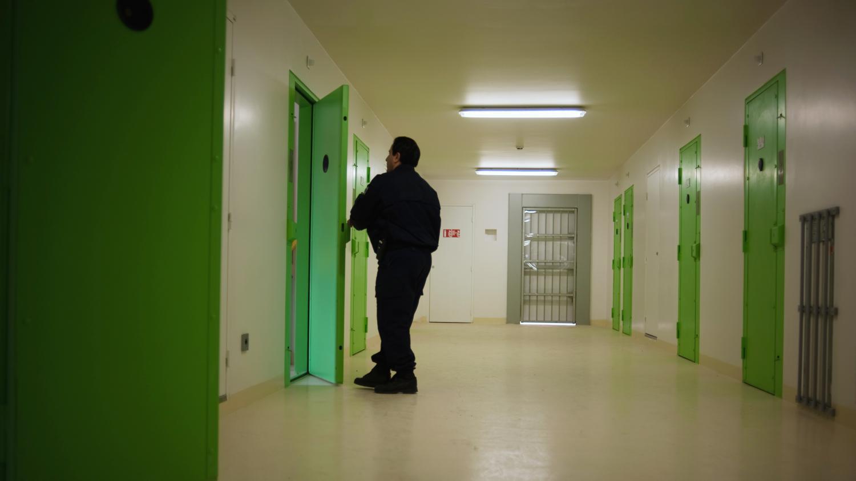 prison emmanuel macron veut cr er une agence des travaux d 39 int r t g n ral. Black Bedroom Furniture Sets. Home Design Ideas