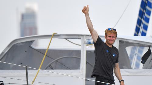 """Voile : François Gabart """"abasourdi"""" après avoir pulvérisé le record du tour du monde en solitaire"""