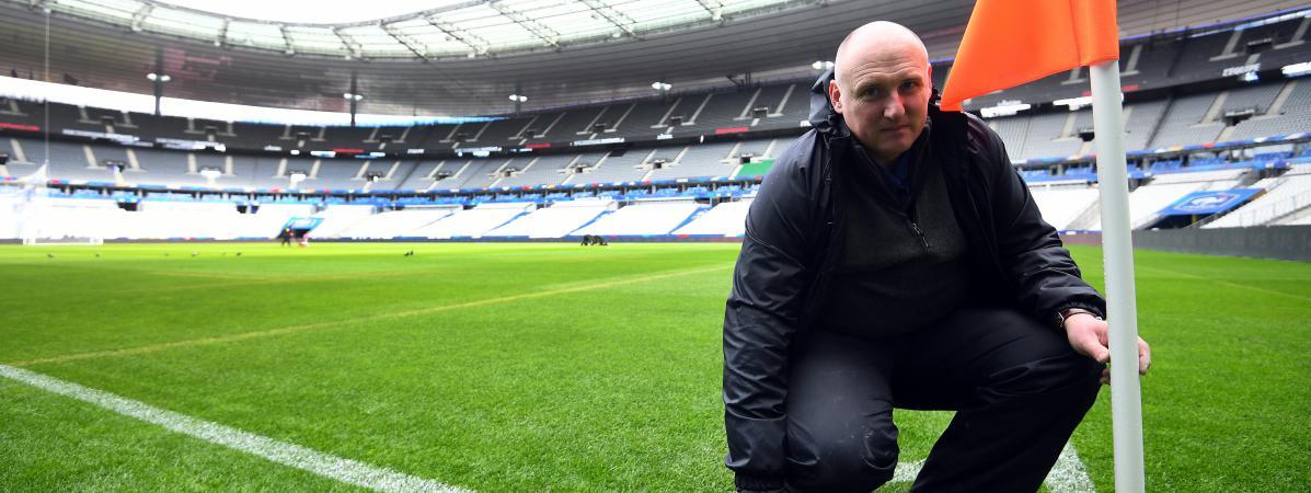 Tony Stones, le responsable pelouse du stade de France, aura moins de 24  heures 9b8c21d83e4c
