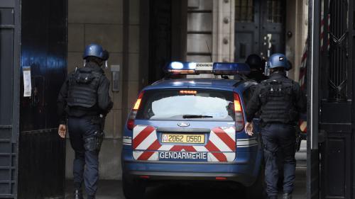 Huit personnes mises en examen pour association de malfaiteurs terroriste après les coups de filet en France et en Suisse