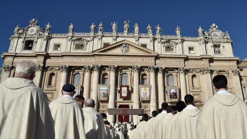 nouvel ordre mondial | Sexualité des prêtres au Vatican : des témoignages accusent