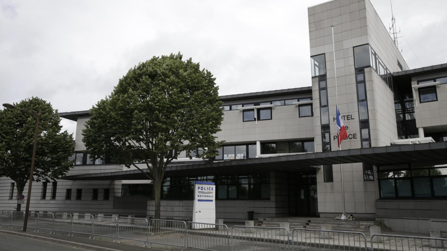 Yvelines violences polici res caract re raciste for A voir yvelines