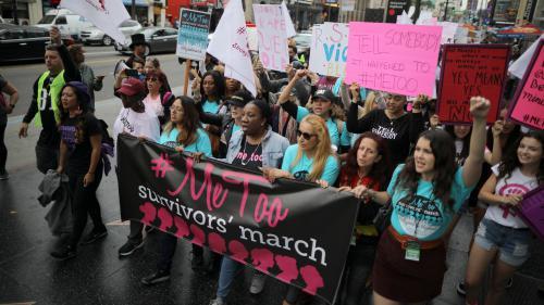 """""""Vous n'êtes pas seules !"""" : des femmes organisent une """"marche des survivantes"""" à Hollywood contre les violences sexuelles Nouvel Ordre Mondial, Nouvel Ordre Mondial Actualit�, Nouvel Ordre Mondial illuminati"""