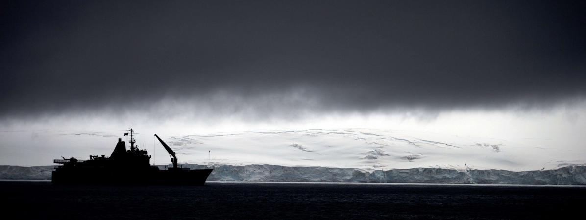 Un bateau chilien dans l\'Antarctique, dans la zone où a été identitifié le trou dans la couche d\'ozone, le 25 janvier 2015.